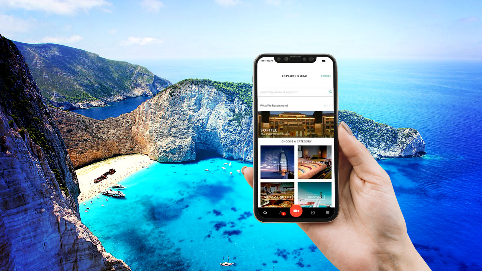 A person sharing the travel experience with Travall app